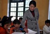 Thưởng Tết giáo viên cắm bản xứ Thanh: Khi chai nước mắm, lúc măng rừng