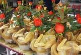 Gà ngậm hoa hồng đắt khách tại