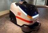 Thử nghiệm robot làm sạch COVID-19 tại sân bay
