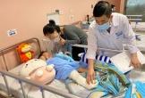 Hôm nay, bé gái 2 tuổi rơi từ tầng 13 chung cư được ra viện