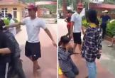 Nữ sinh bị nam thanh niên tát, bắt quỳ gối giữa sân trường