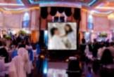 Phim 'mát mẻ' bị chiếu xen lẫn ảnh cô dâu chú rể tại đám cưới khiến khách mời 'ngượng chín mặt'