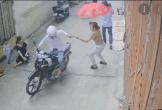 Cướp táo tợn giật điện thoại của người phụ nữ ở ngay giữa phố